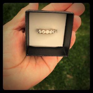 .925 Sterling silver ring diamond ring